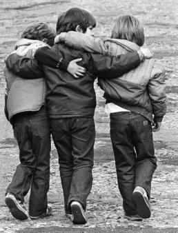 friends نهر المعرفة 10 طرق للتعرف على الصداقة الحقيقية